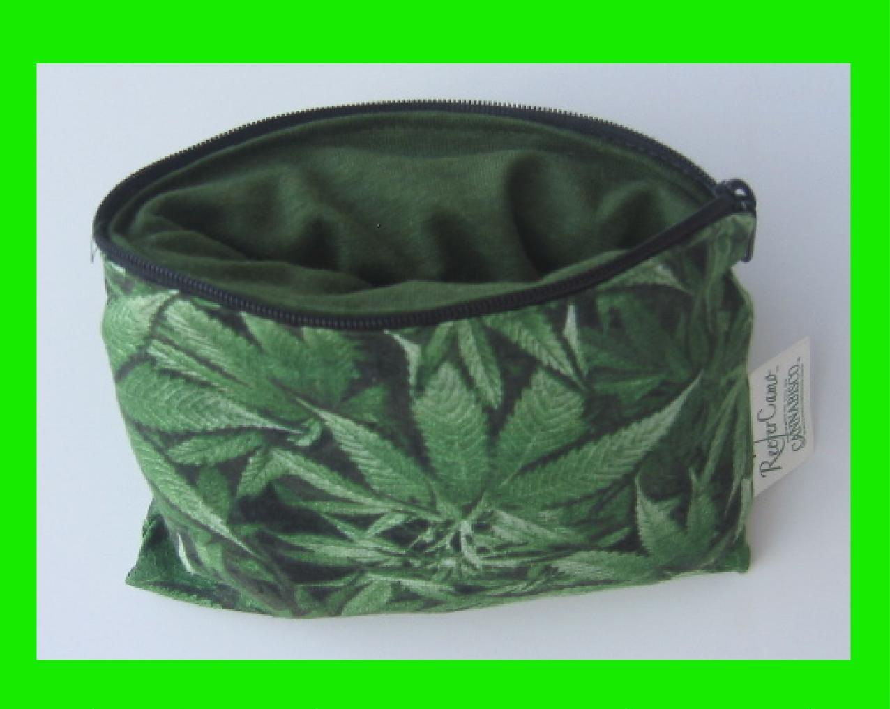 Reefer Camo, Glass Pouch with Zipper